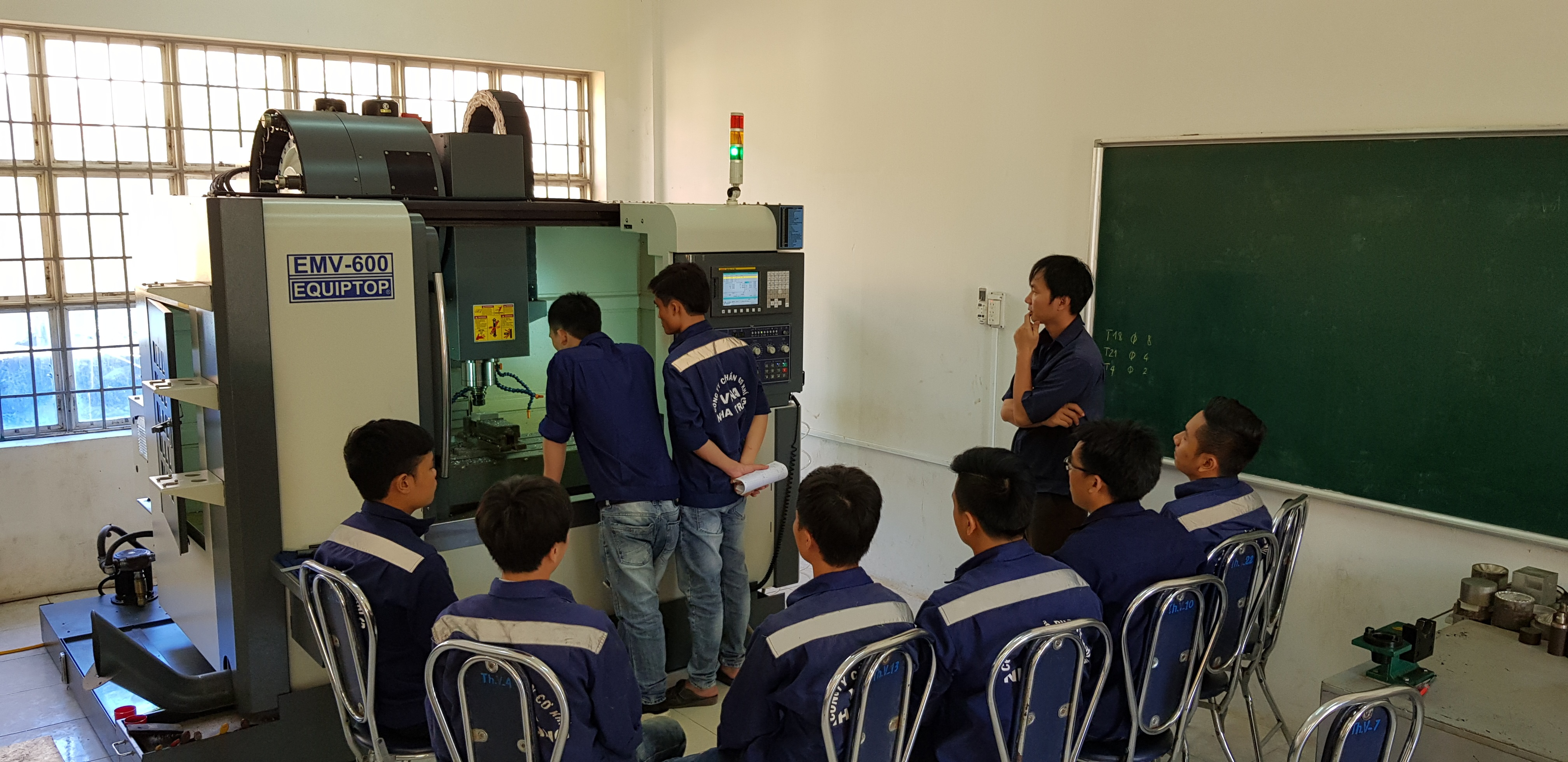 Mô hình đào tạo kết hợp sản xuất tại Trường Cao đẳng Công Thương miền Trung